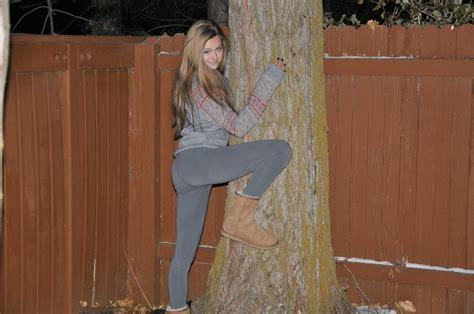 Visit /r/creepshots for the real daily creep shots! Teen Tuesday #23: Leggings Edition - CreepShots