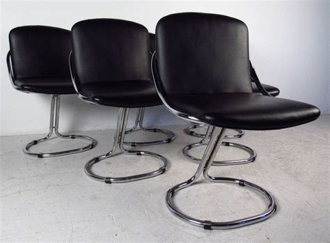 modern chrome and vinyl dining chairs at 1stdibs