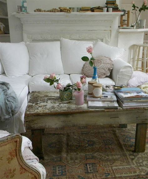shabby chic bedding on a budget best 25 shabby chic sofa ideas on pinterest shabby chic couch shabby chic living room