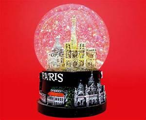 Boule à Neige : la boule neige pataqu s ~ Teatrodelosmanantiales.com Idées de Décoration