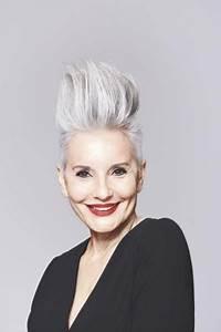 Coupe Cheveux Gris Femme 60 Ans : photos coiffure femme cheveux gris ~ Voncanada.com Idées de Décoration