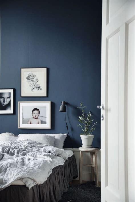 beautiful deep blue walls  fresh bright white
