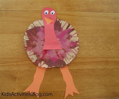 gobble gobble a thanksgiving preschool craft 115 | kab turkeyspinner done