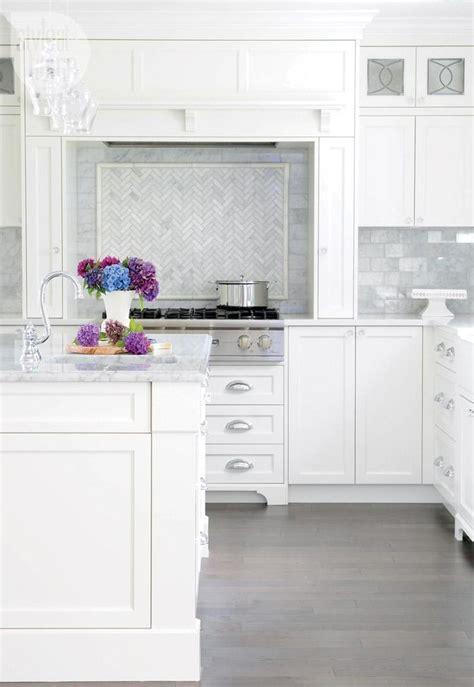 Beautiful White Kitchens   DIY Decorator