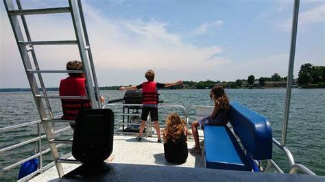 Nashville Boat Rental by Rent A Pontoon Boat At Safe Harbor Marinas For A Day Of