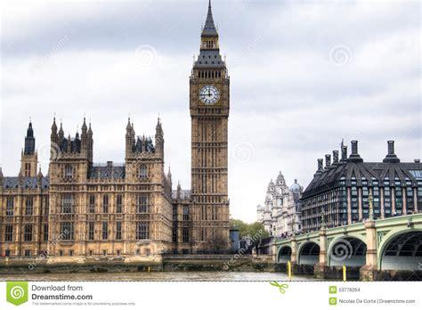 chambre th鑪e londres chambres du parlement avec la tour de big ben et de pont de westminster à londres r