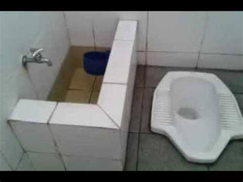 Adanya sebuah bak di kamar mandi sangat penting sebagai tempat penampungan air. Cara Atasi Rembes Bak Mandi : 23 Ide Terkini Cara Menambal Nat Keramik Bak Mandi - Simak tips ...