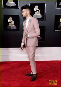 Zayn Malik Wears White Rose On His Pink Suit For Grammys