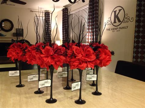 diy black and red wedding centerpieces can of spray paint