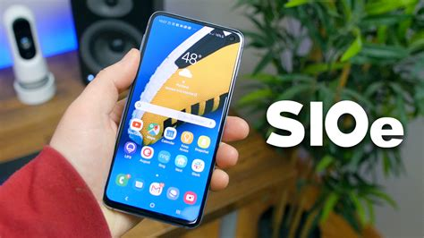samsung galaxy s10e review the s10 variant most should buy phonedog