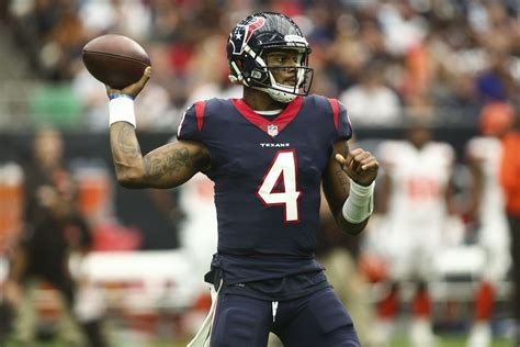 deshaun watson  break russell wilsons rookie record