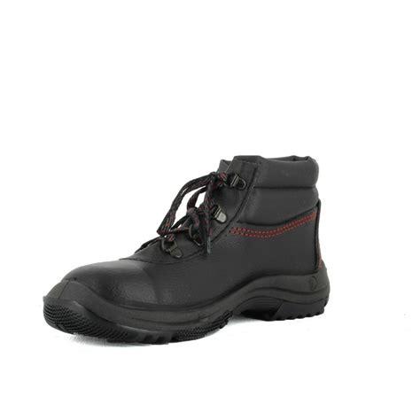chaussure securite cuisine pas cher chaussure de sécurité haute pas cher vitesse s24 23 90 ht lisashoes