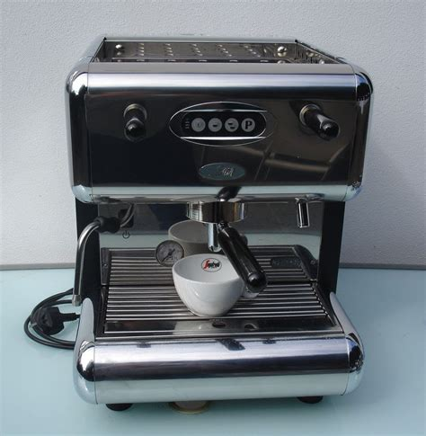 Used 6 option tea coffee machine for sale ₹ 8,000/piece. Secondhand Catering Equipment   1 Group Espresso Machines ...