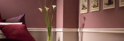 Two Tone Walls With Chair Rail by A White Two Tone Chair Rail Moulding On A Wall Ideas For