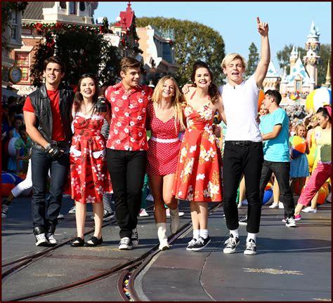 """""""teen Beach Movie"""" Cast, Demi Lovato & Dove Cameron"""