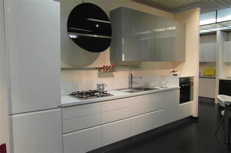 Cucina Ar Tre Flo Moderna Laccato Lucido bianca Cucine