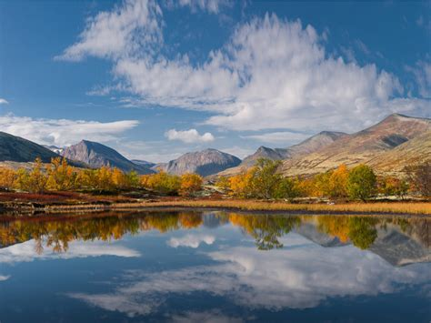 icy lake  doralen  rondane national park norway