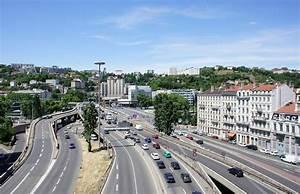 Aéroport De Lyon Parking : les transports entre l 39 a roport de lyon et la gare lyon part dieu ~ Medecine-chirurgie-esthetiques.com Avis de Voitures