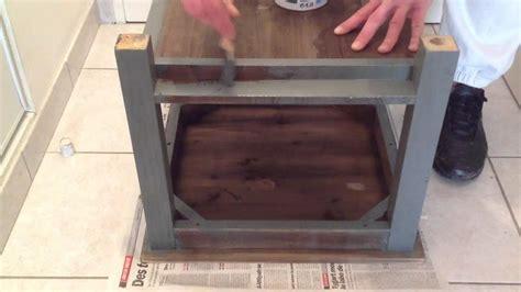 customiser un bureau peindre un meuble en bois peinture bois
