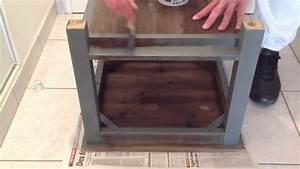 peindre un meuble en bois peinture bois youtube With deco cuisine pour commode