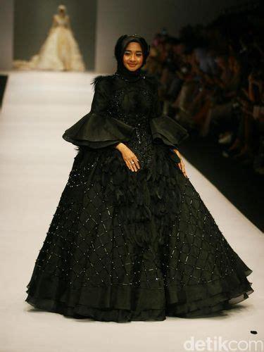 foto cantiknya  selebriti indonesia pakai gaun pengantin