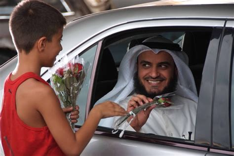 Sheikh Mishary Bin Rashid Al-afasy Of Kuwait In One Of His