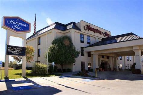 Hampton Inn Weatherford 3 ($̶1̶1̶2̶)
