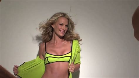 molly sims sexy molly sims looking sexy in swimwear bts for shape magazine