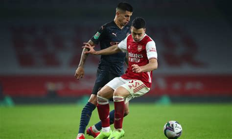 Arsenal fans want Gabriel Martinelli to start against ...