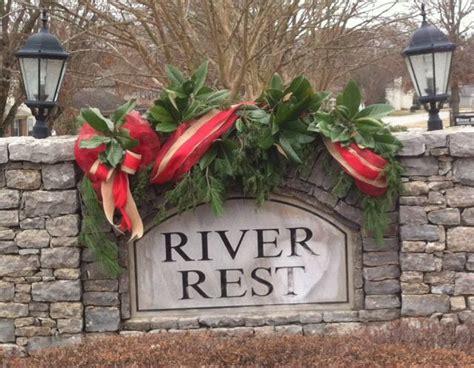 christmas decoration neighborhood entrance  folks