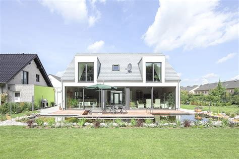 Moderne Häuser Mit Terrasse by Dachgaube Terrasse Glas Architektur Und H 228 User In