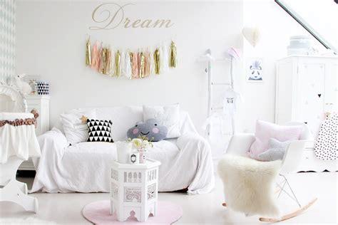 le chambre bebe une chambre de fille pastel