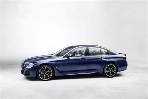 The 2021 bmw 5 series has kicked down the double doors and is now standing on the tables before us. World Premier: 2021 BMW 5 Series LCI - BimmerFile
