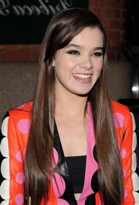 hailee steinfeld cute long sleek straight hairstyle  girls styles weekly