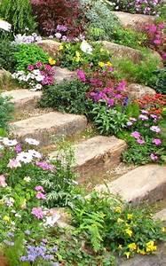 les 25 meilleures idees de la categorie cottages en pierre With superb amenager un jardin en pente 0 1001 idees et conseils pour amenager une rocaille fleurie