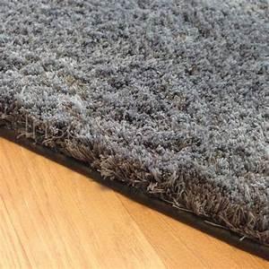 tapis sur mesure gris fonce doux et moelleux With tapis gris doux