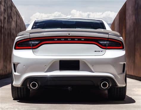 Scat Pack R/T, SRT, SRT Hellcat Rear Bumper Package 2015
