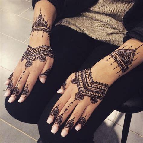 les 25 meilleures id 233 es de la cat 233 gorie henn 233 marocain sur henna marocaine tatouage