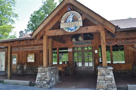 Toccoa Riverside Restaurant In The Blue Ridge Mountains Of
