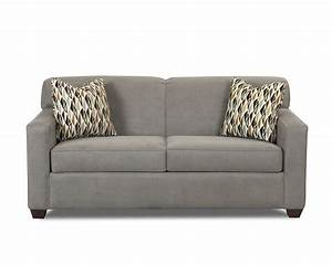 Condo size sofas 5 apartment sized sofas that are for Apartment sized sofas