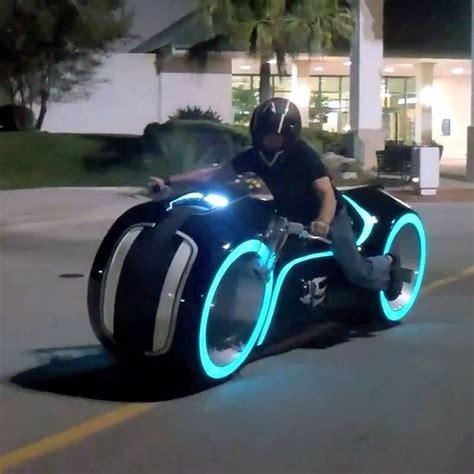 Real-Life TRON Light Cycle | Tron bike, Tron light cycle, Tron