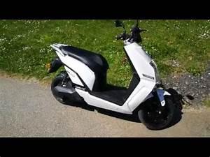 Scooter Electrique 2018 : scooter electrique youbee 1500 accessible sans permis youtube ~ Medecine-chirurgie-esthetiques.com Avis de Voitures