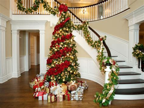 wonderful christmas staircase decorations