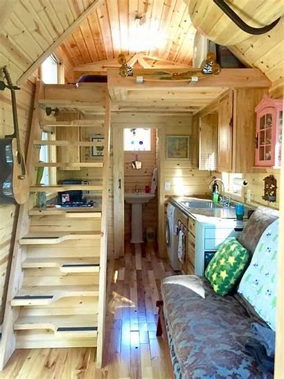 Tiny Interior Victorian Casa Colorful Roti Giant