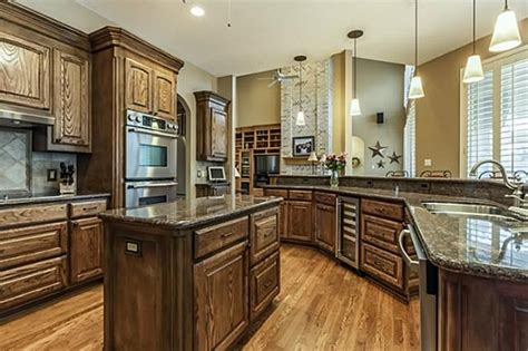 Kitchen Breakfast Nook Butlers Pantry by 17 Best Images About Luxury Kitchens Southlake On