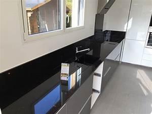 Plan De Travail Noir Brillant : plan de travail granit quartz table en mabre paris ~ Dailycaller-alerts.com Idées de Décoration
