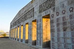 le monument aux morts de saint quentin dans l39aisne With store deco saint quentin
