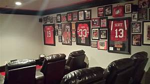 Life-long Georgia fan's man cave could put sports bars out
