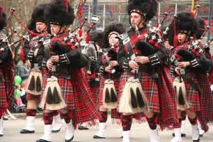 Irish Kilt and Bagpipes