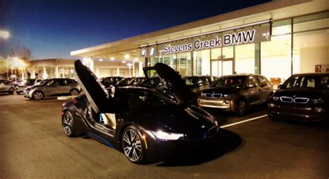 Bmw Opens Store Focused 100% On Electric Cars